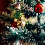 Pokojné Vianoce praje team Nadácie Žltá Kačička